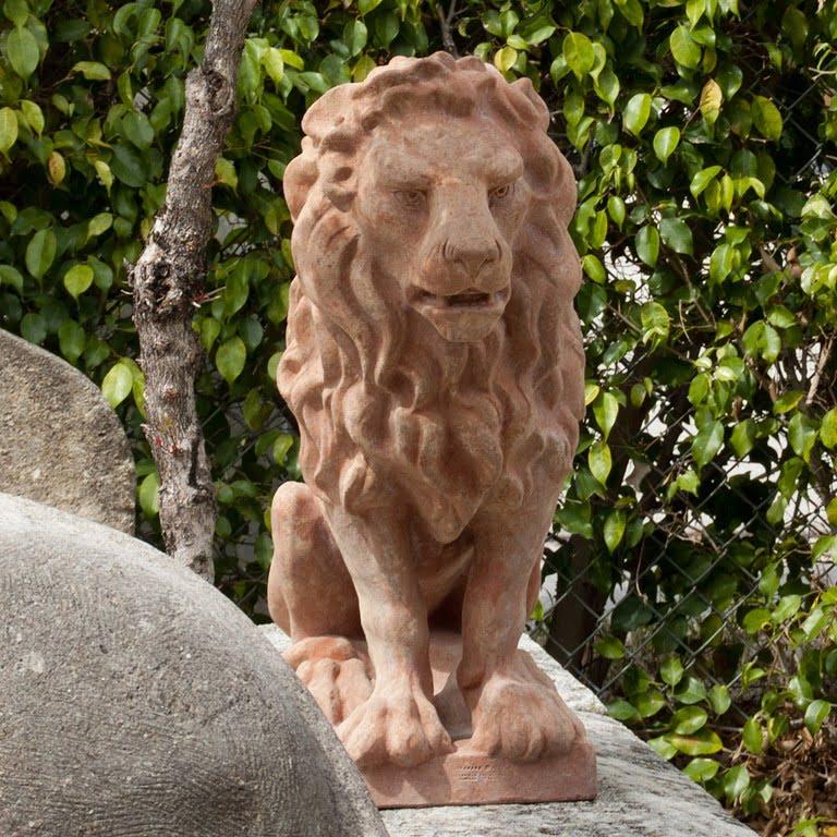 Leone Classico Statuette