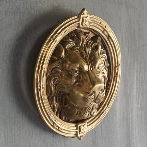 renaissance style battente leone knocker side