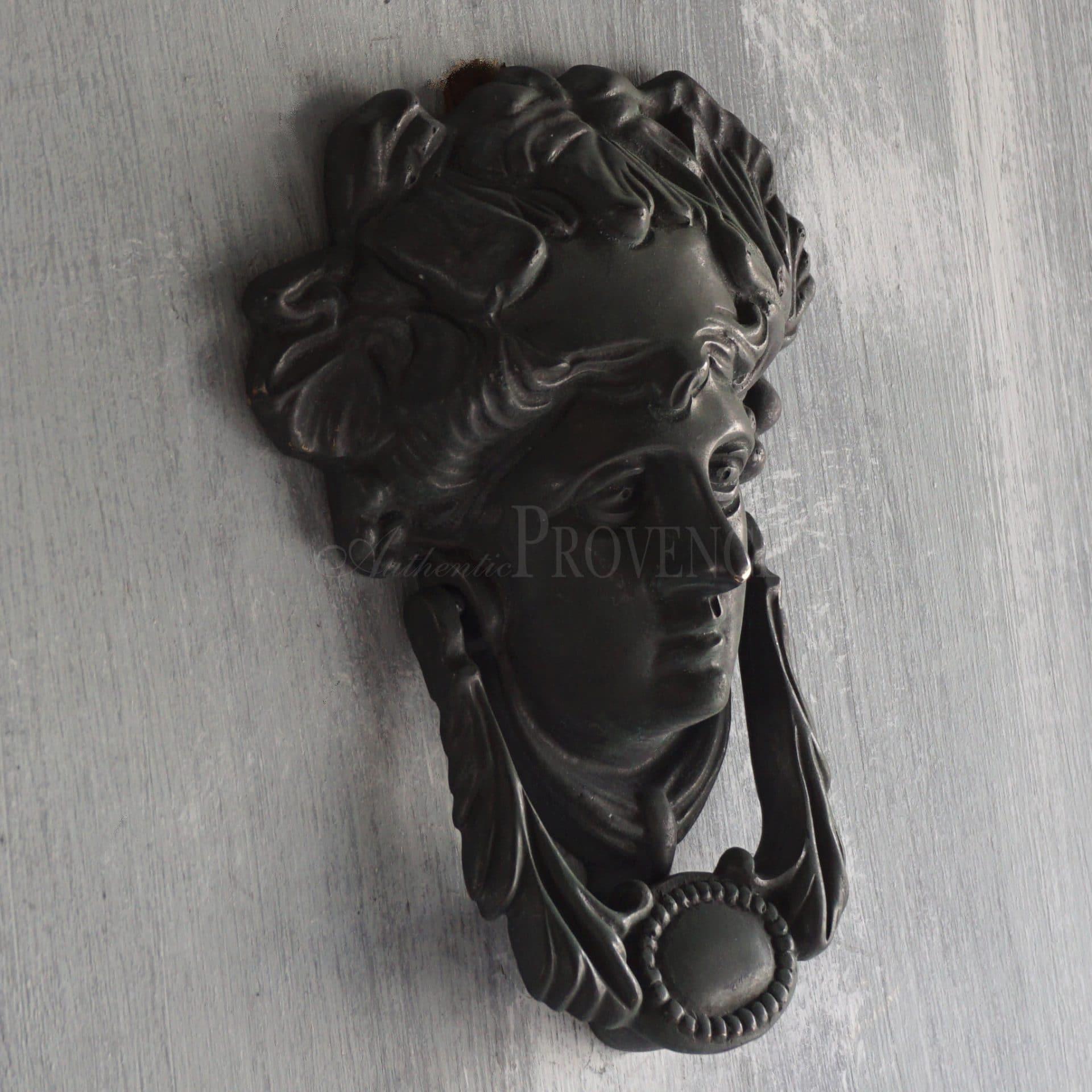 Poignee Medusa
