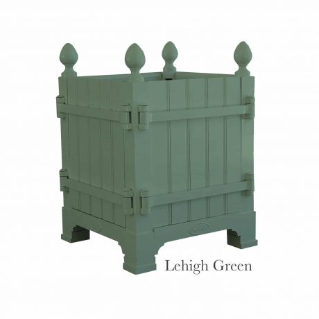 Authentic Provence Caisse de Versailles is composed of an aluminum frame with teak wood panels are durable and weather resistant. Paint: Lehigh Green