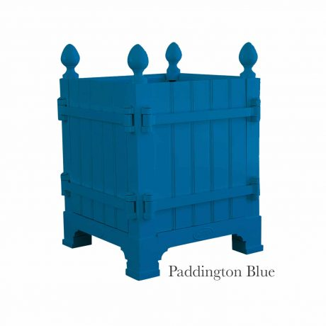 Authentic Provence Caisse de Versailles is composed of an aluminum frame with teak wood panels are durable and weather resistant. Paint: Pattington Blue