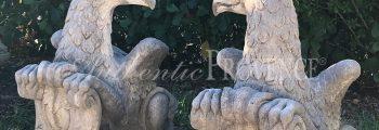 Paio Di Griffoni Statues